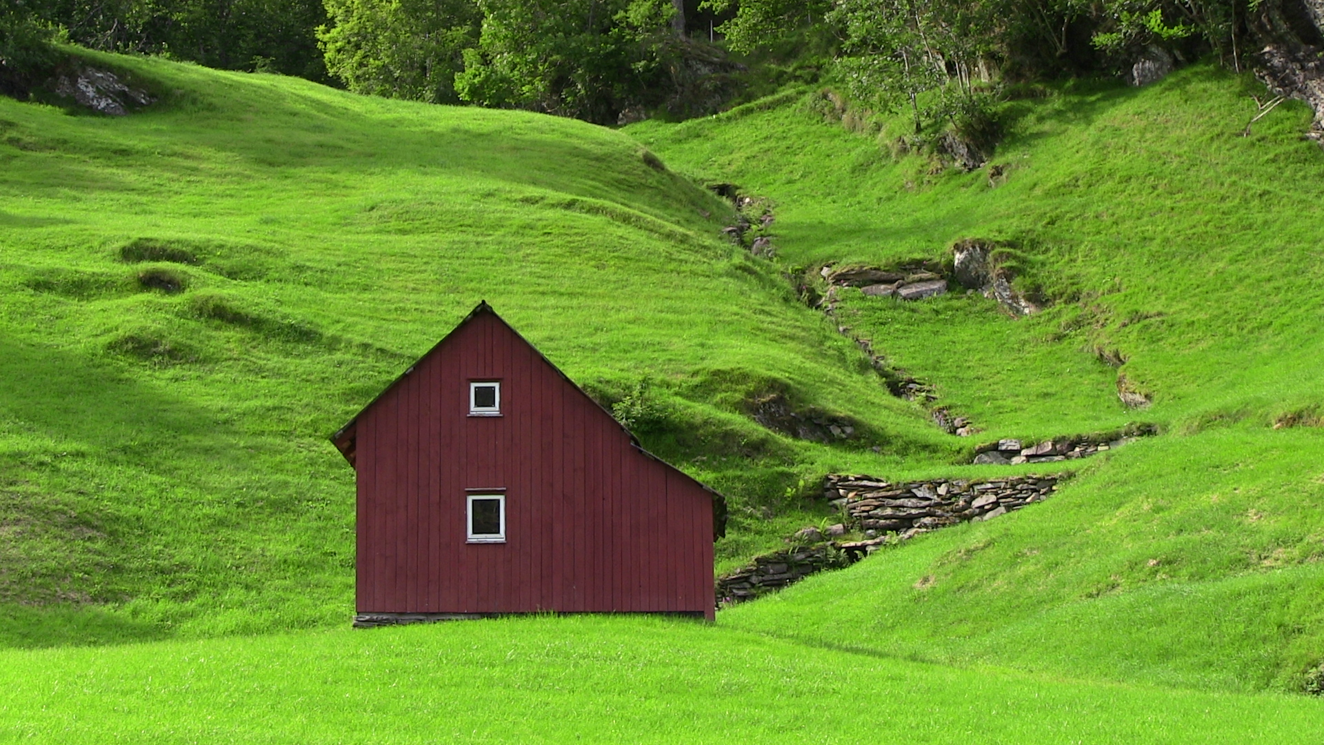 Summer hay barn on pasture-land - © Anne Gullbjørg Digranes