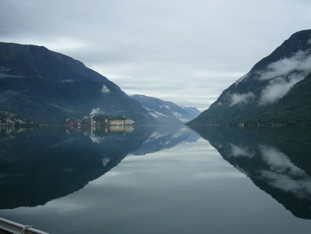 Sørfjorden looking to the north toward Boliden - © Anne Gullbjørg Digranes