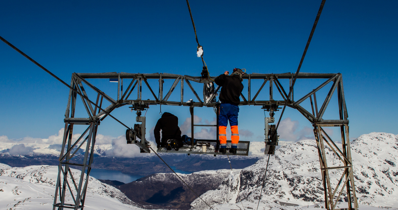 Ski lift maintenance.  © Jan Petter Svendal