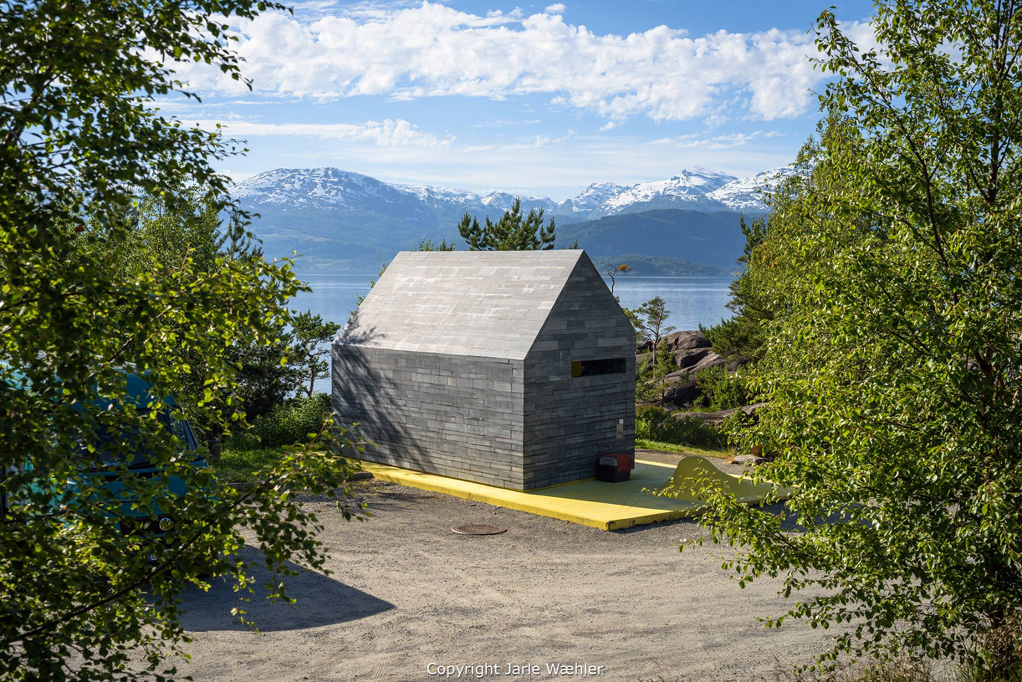 Toalettbygg, Hereiane rasteplass. © National Tourist Routes in Norway. Foto Jarle Wæhler.