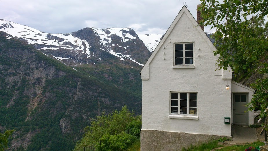 The watchman's house, looking toward Folgefonna.  © Anne Gravdal / NVIM